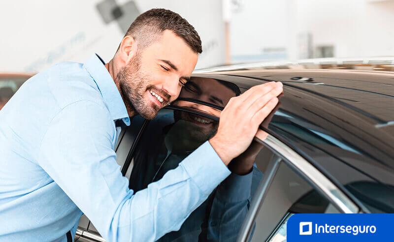 ¿Estás buscando tipos de seguro para auto?