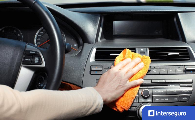 Tips para mantener tu auto seguro y libre de contagios