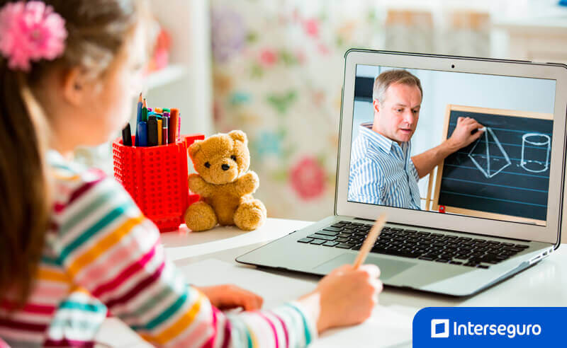 Educación virtual en colegios de lima
