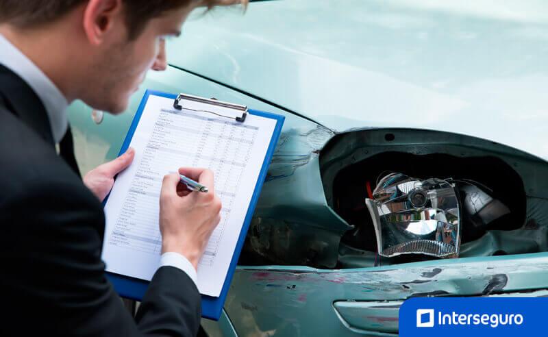 Autos Siniestrados: Uso de Asistencia Legal